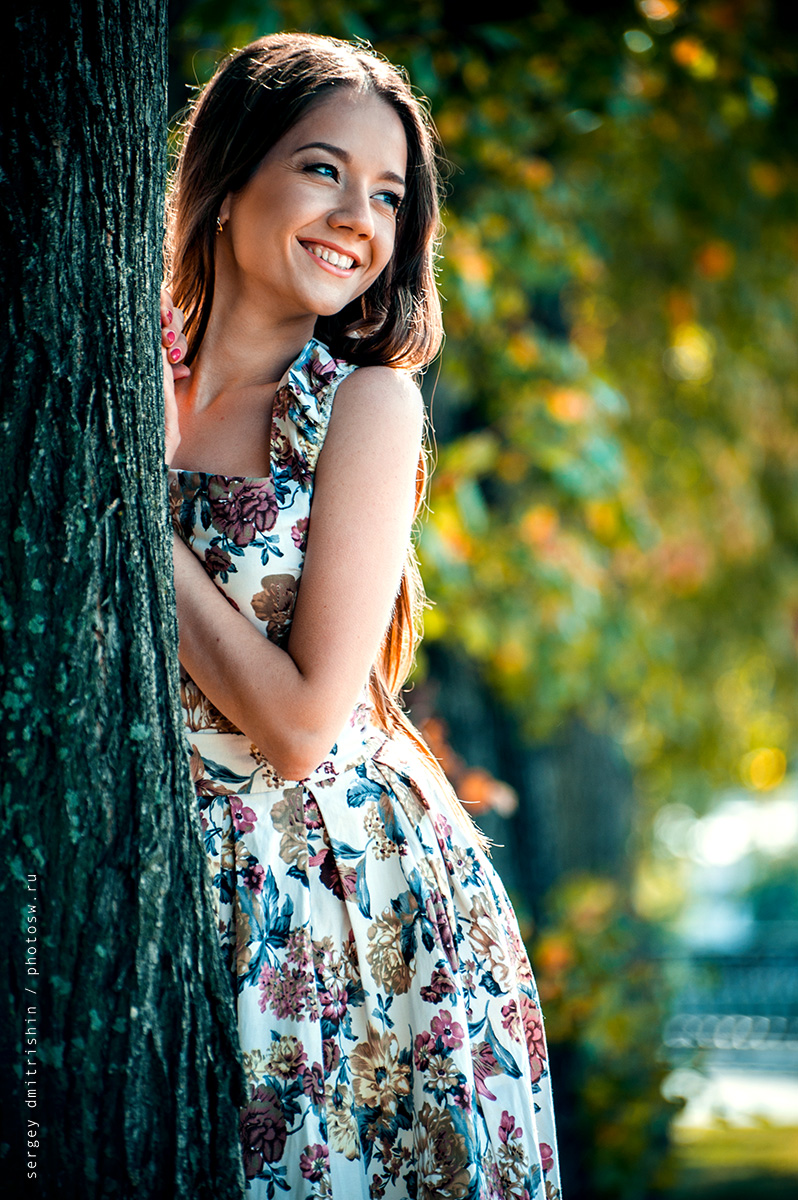 актрисы есть как позировать для фото возле дерева примеры военные боеприпасы